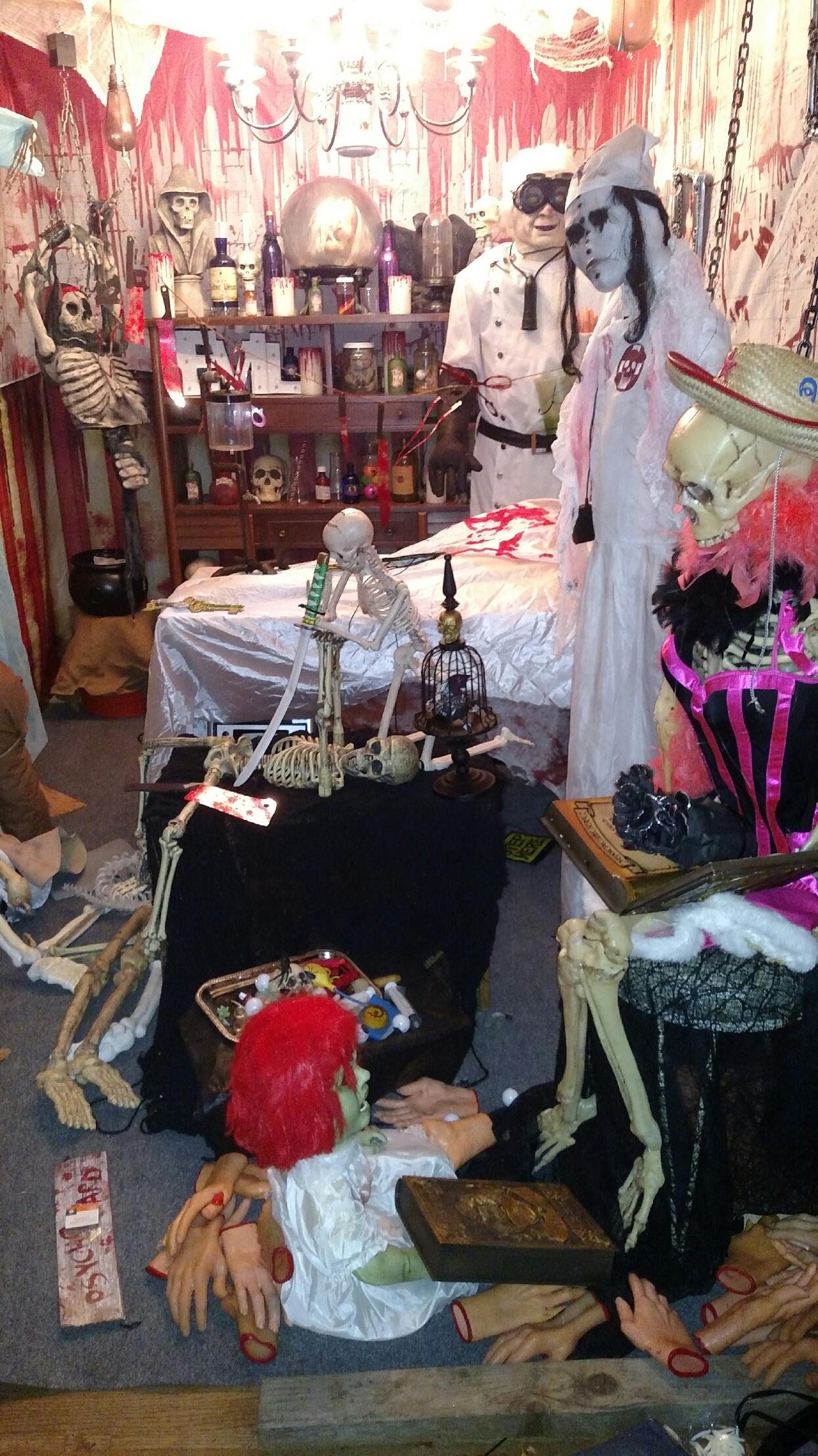 Succasunna Nj Pirate Ship House Halloween 2020 Halloween House' of Roxbury Cranks Up the Creepy | TAPinto