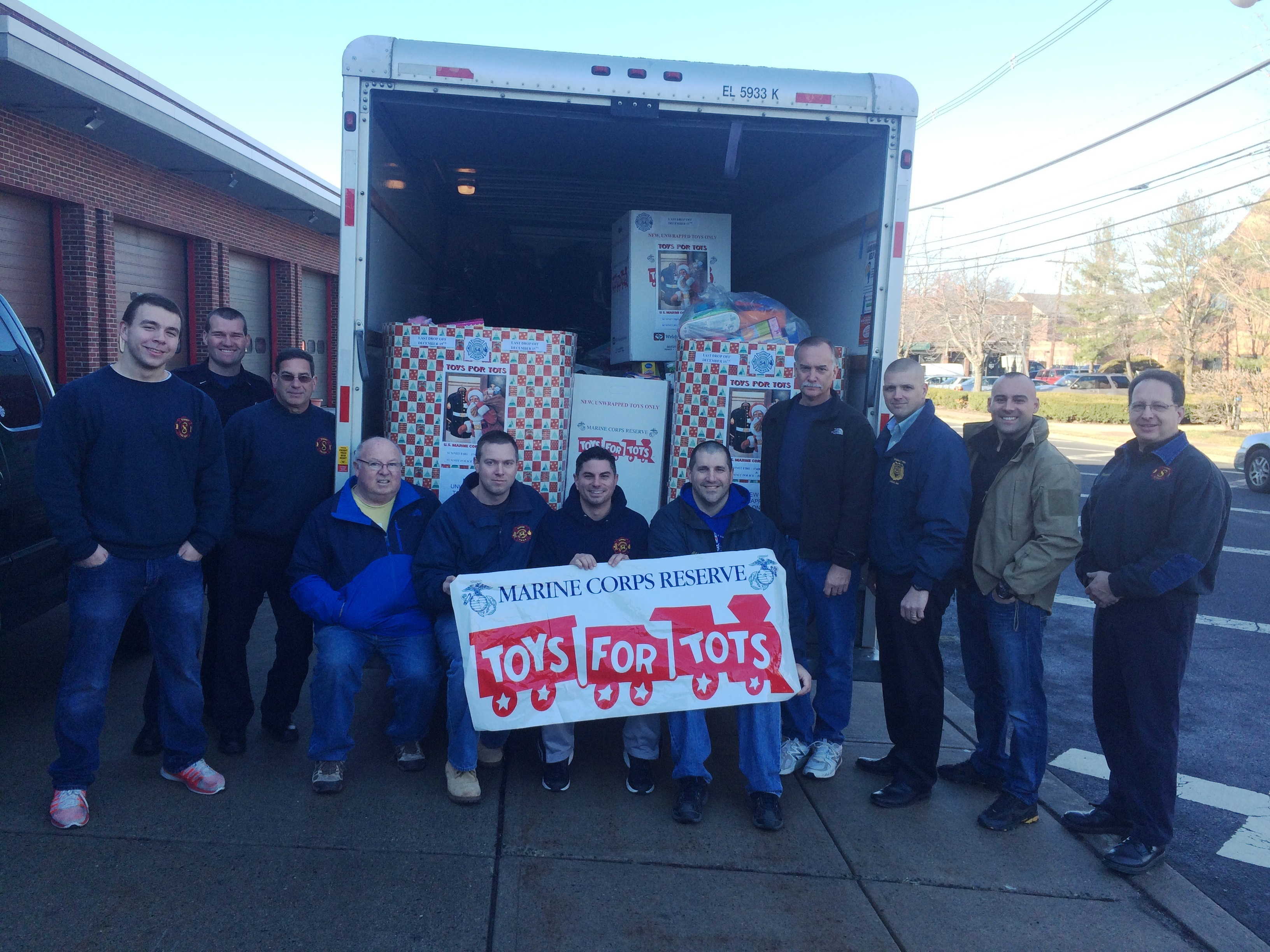 3fbbe1e27ebd4342aebc_toys_for_tots_2014.jpeg
