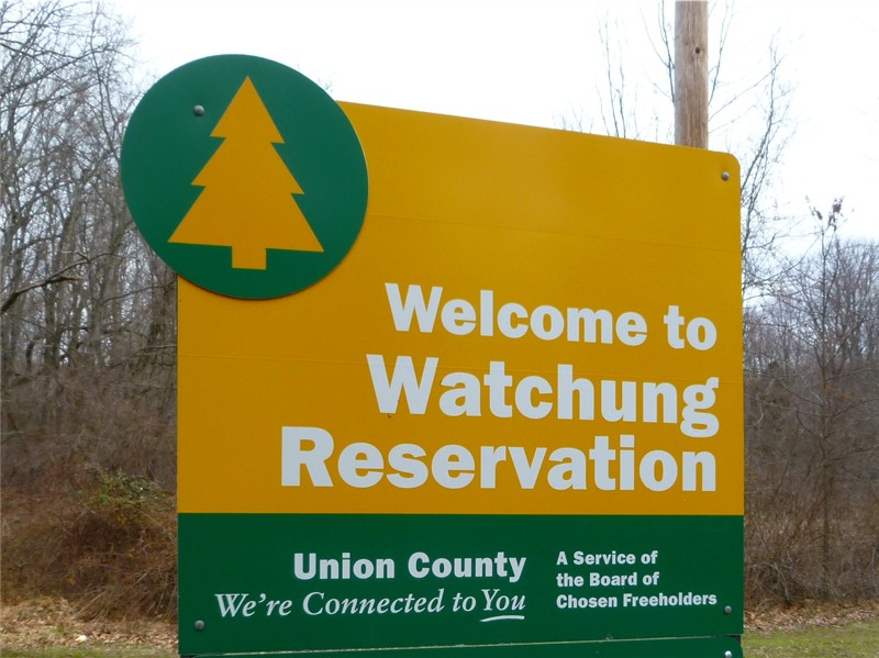 c2024dda20563b1cd2ff_Watchung_Reservation_sign.jpg