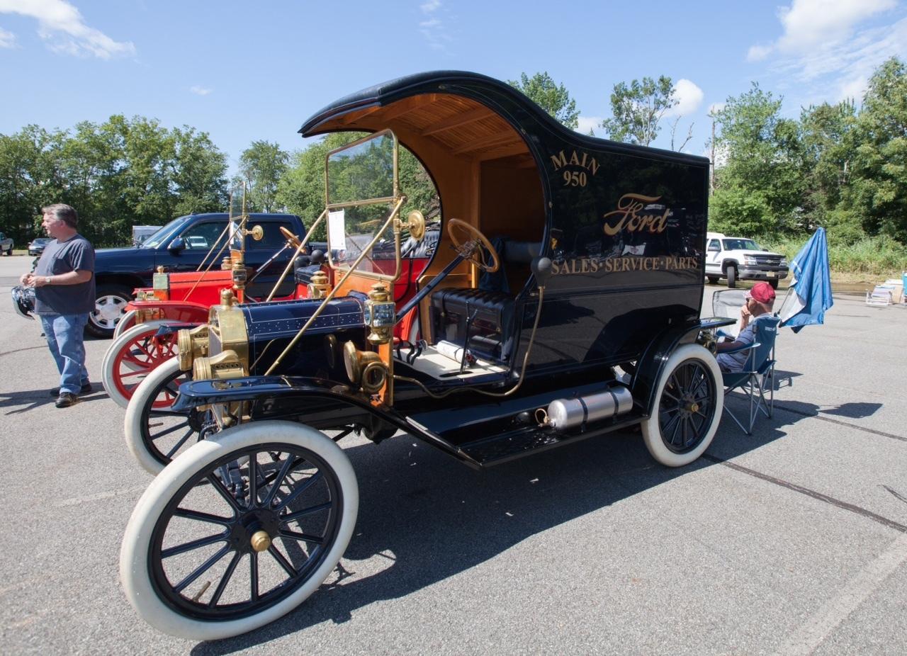 9b379ca525aa0f1c201d_classic_cars3__1_.JPG