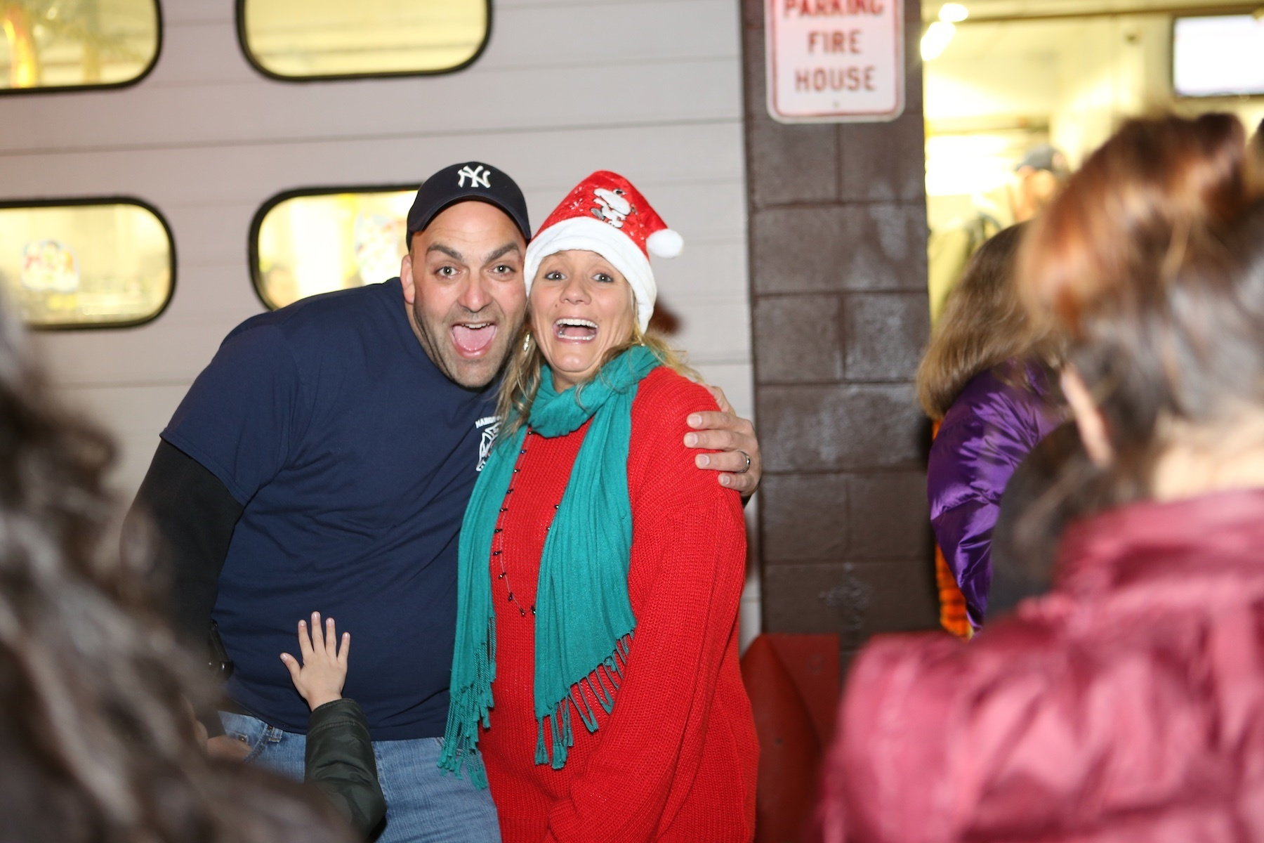 8addead0b64687e9cd8b_MN120415-MahopacFallsFDTreeLighting_17.jpg