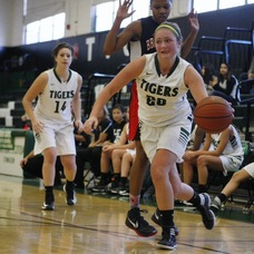 South Plainfield Girls Overwhelm Perth Amboy 71-26, photo 1
