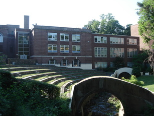 Top_story_c392f3878012f95d17a6_montclair.high.school.amphitheatre
