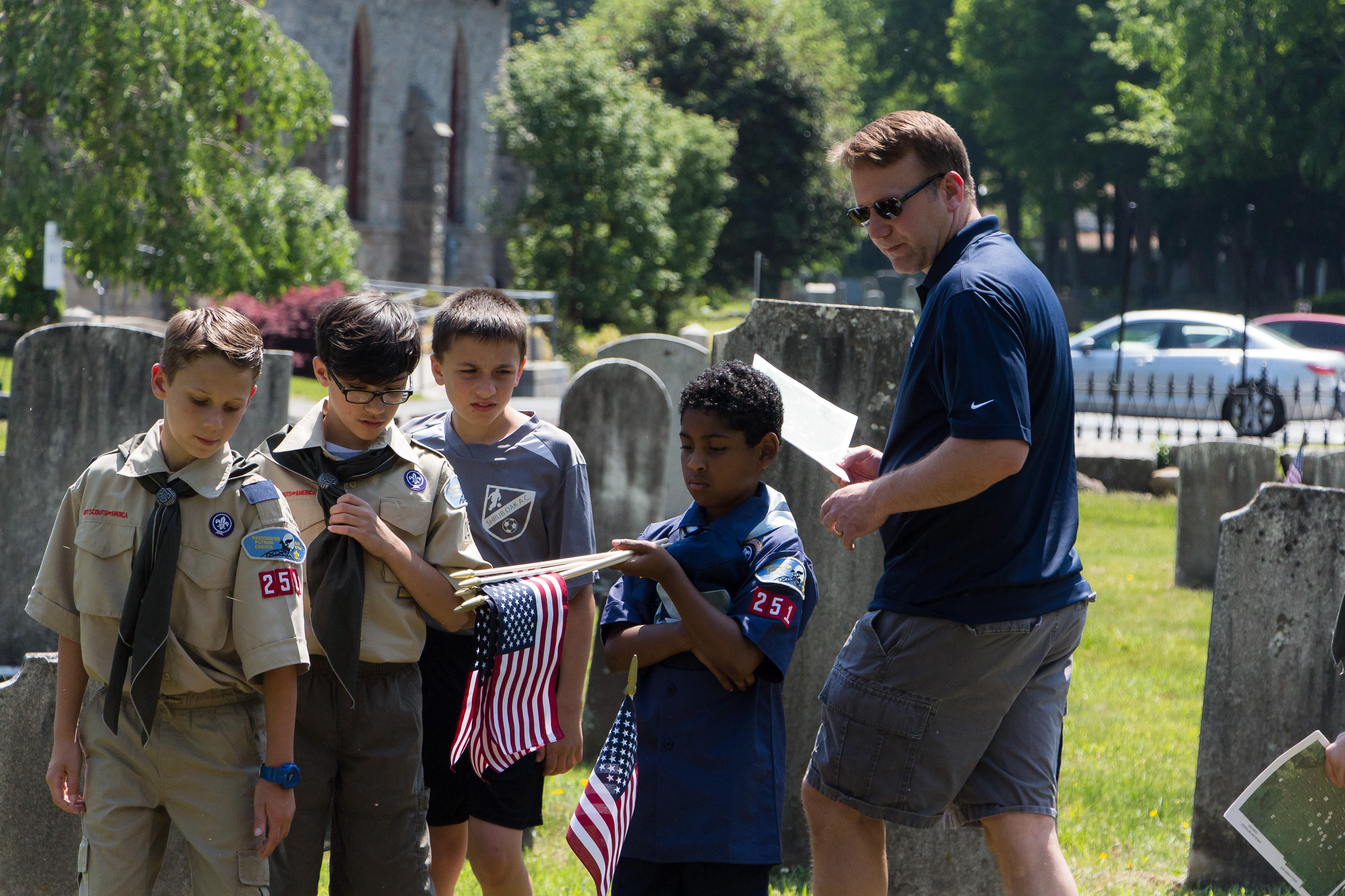 8a1299492012596ec911_20160528_Boy_Scouts_Memorial_Day_Flag_Settng_047.jpg