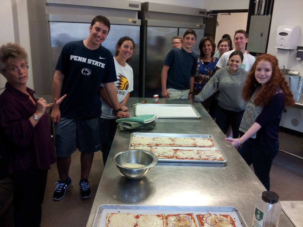 8ba6b7cdce5f349aa273_Machon_students_cooking_a_Passover_meal_with_Cantor_Berman_and_Rabbi_Musnitsky.jpg