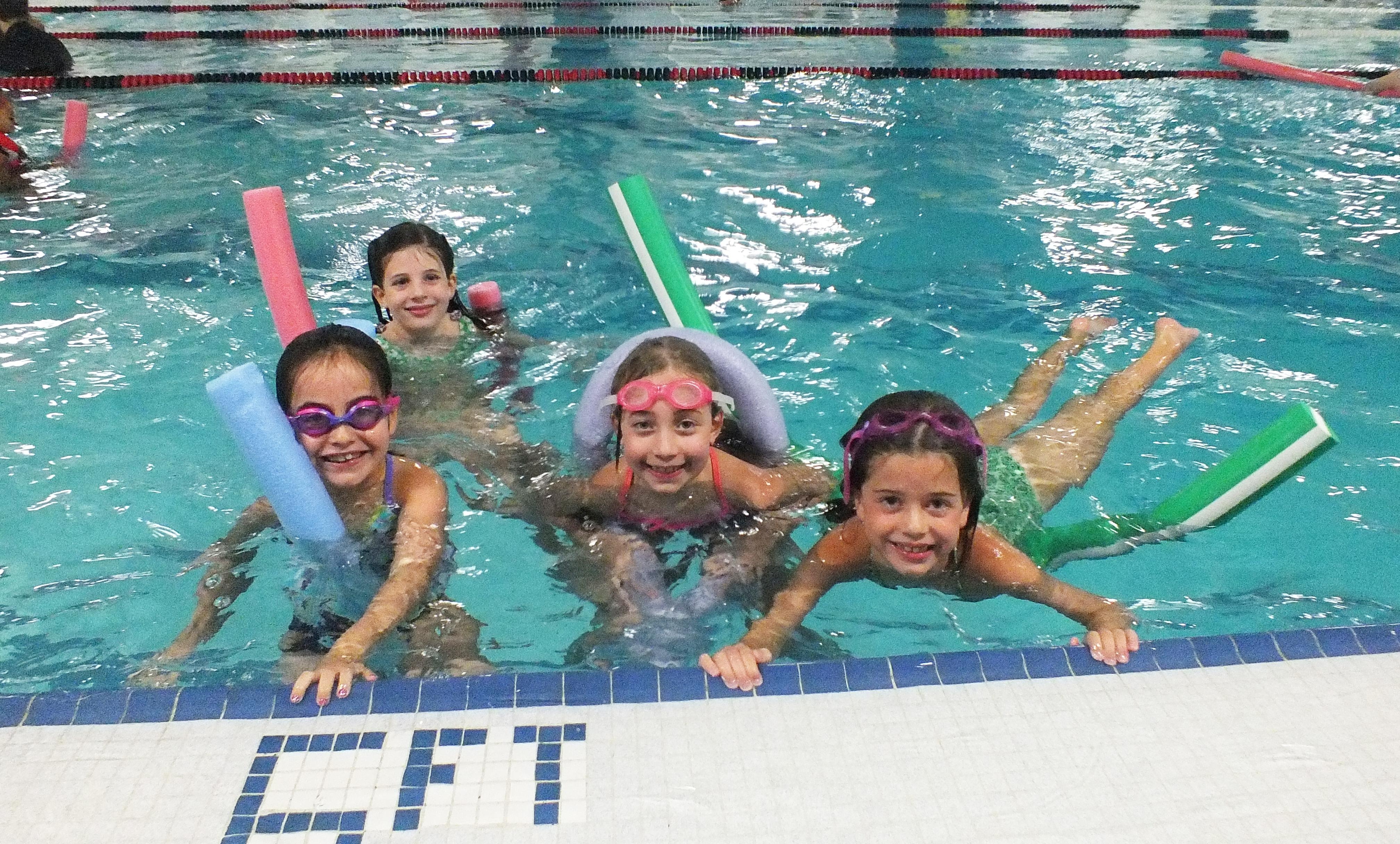 aecbf0c2a73abebf5cc4_freeswim.jpg