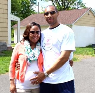 085fec7bac854de0fd3e_terry_hopkins_team-pregnant_daughter.jpg