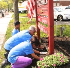 Roselle Comes Together for Community Clean Up Day, photo 2