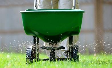 df6dd394d75738918d2c_spreading-fertilizer.jpg