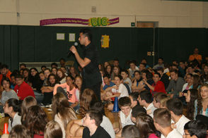Zach Matari sings for the crowd at Lazar