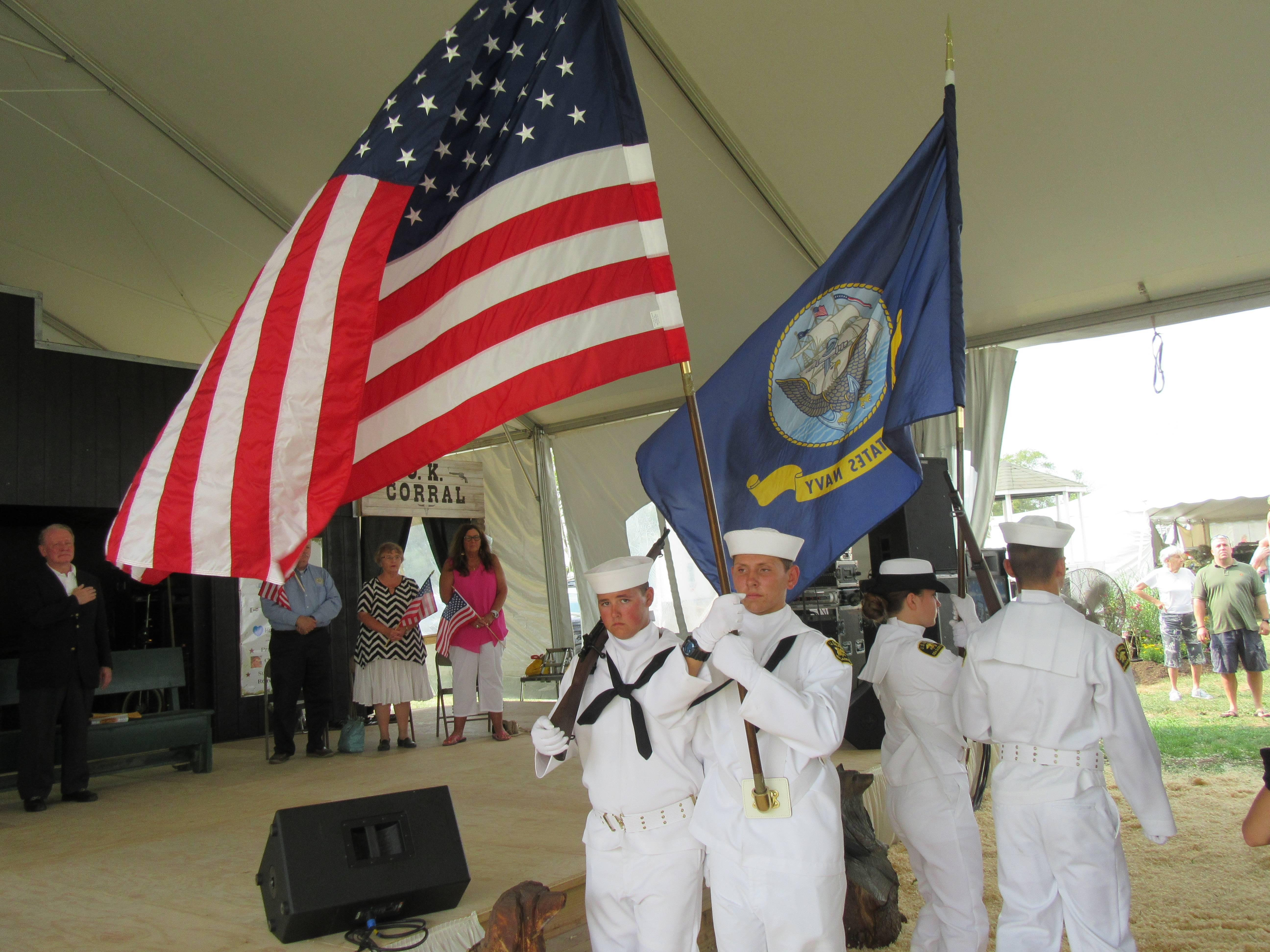 4cccb0e0908994491bea_71bbd991b047dff94225_Veterans_flag_Fair_2015.JPG