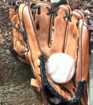 55d091e6a98ae1fc49bc_baseball_glove_and_ball.jpg