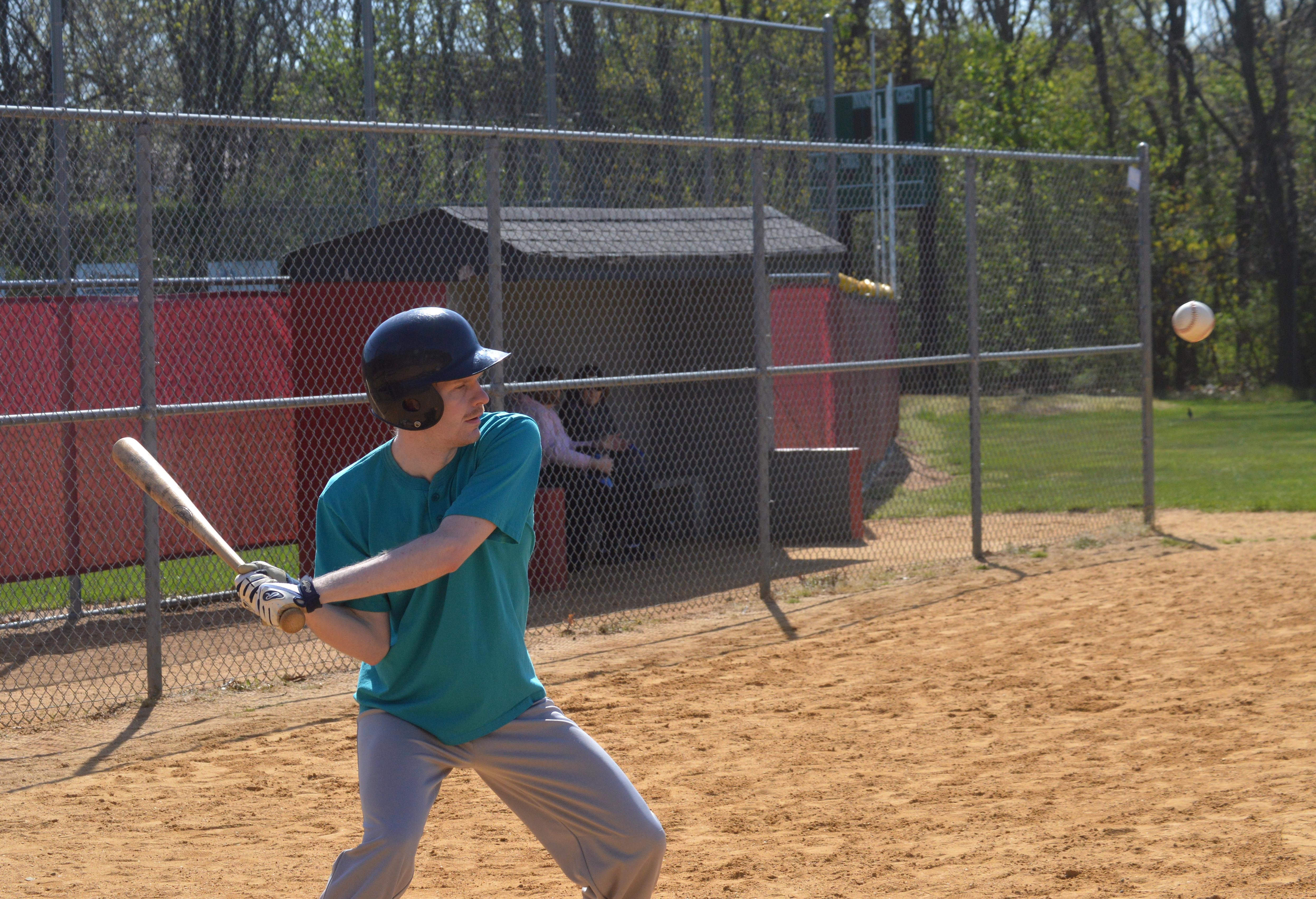 6b28cba3af6307bd0bbf_JV_-_Baseball_Buddies_4-24-16_-_Buddy_swing.JPG