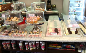 Splurge Bakery Thrives as Crumbs Crumbles, photo 5