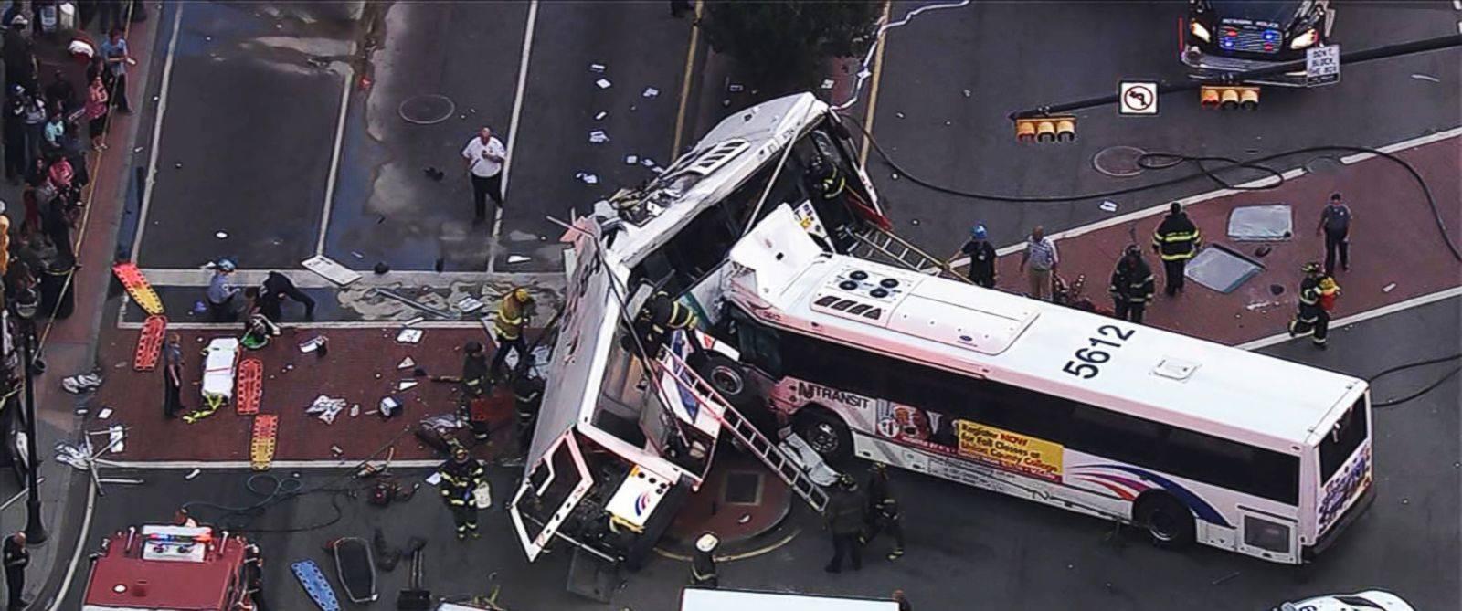 6cb0da870da8b6356804_HT_bus_crash1_ml_160819_31x13_1600.jpg