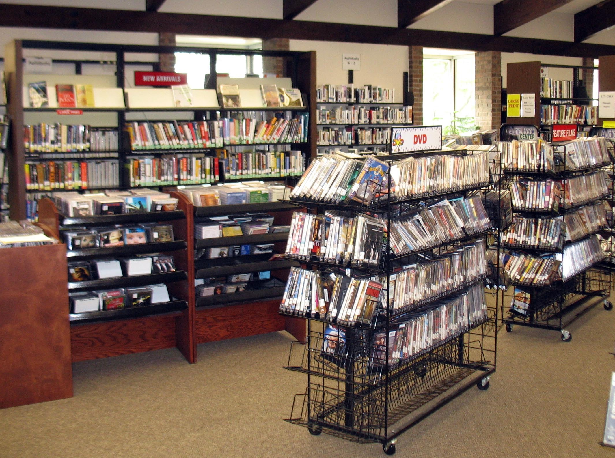 7b0e52892b2a5df7a1be_Scotch_Plains_Library_-_books_on_shelves.jpg