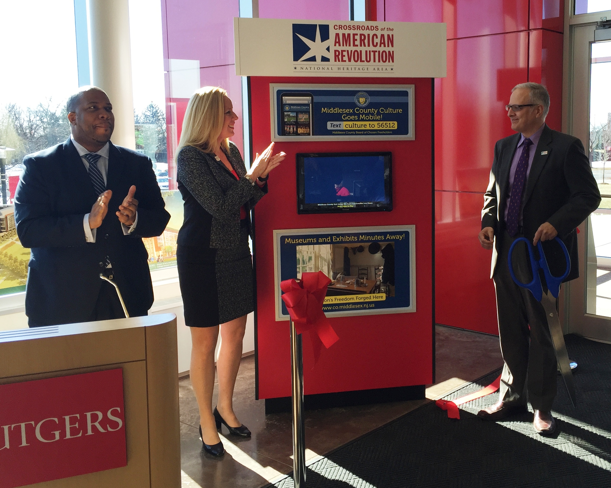Middlesex County Freeholders Open New Heritage Kiosk at Rutgers Visitor Center