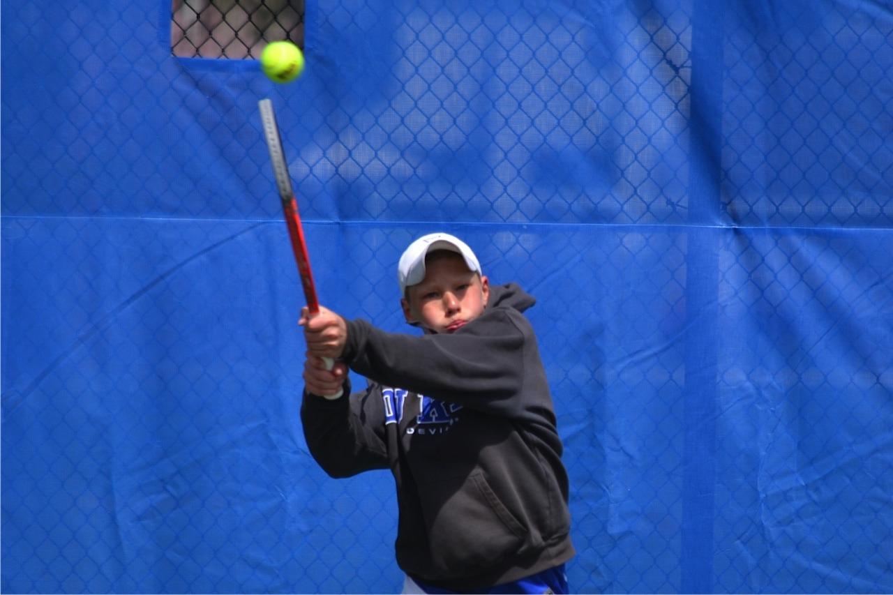 ab40ff2d76683f6a2002_tennis_3.jpg
