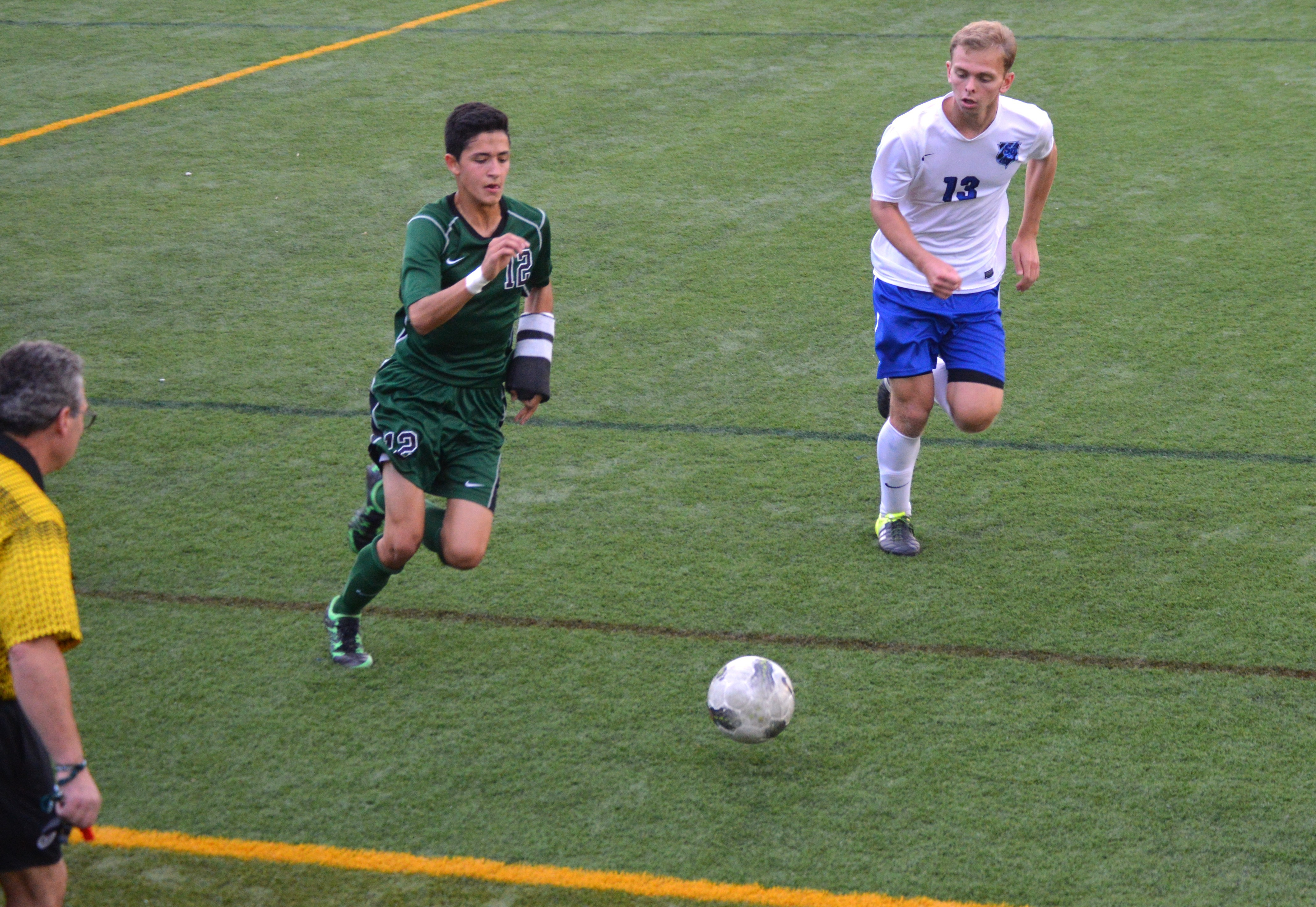 f3ad82a068dab08523bd_Michael_Echeverria_scored_the_only_goal_for_St._Joe_s.JPG