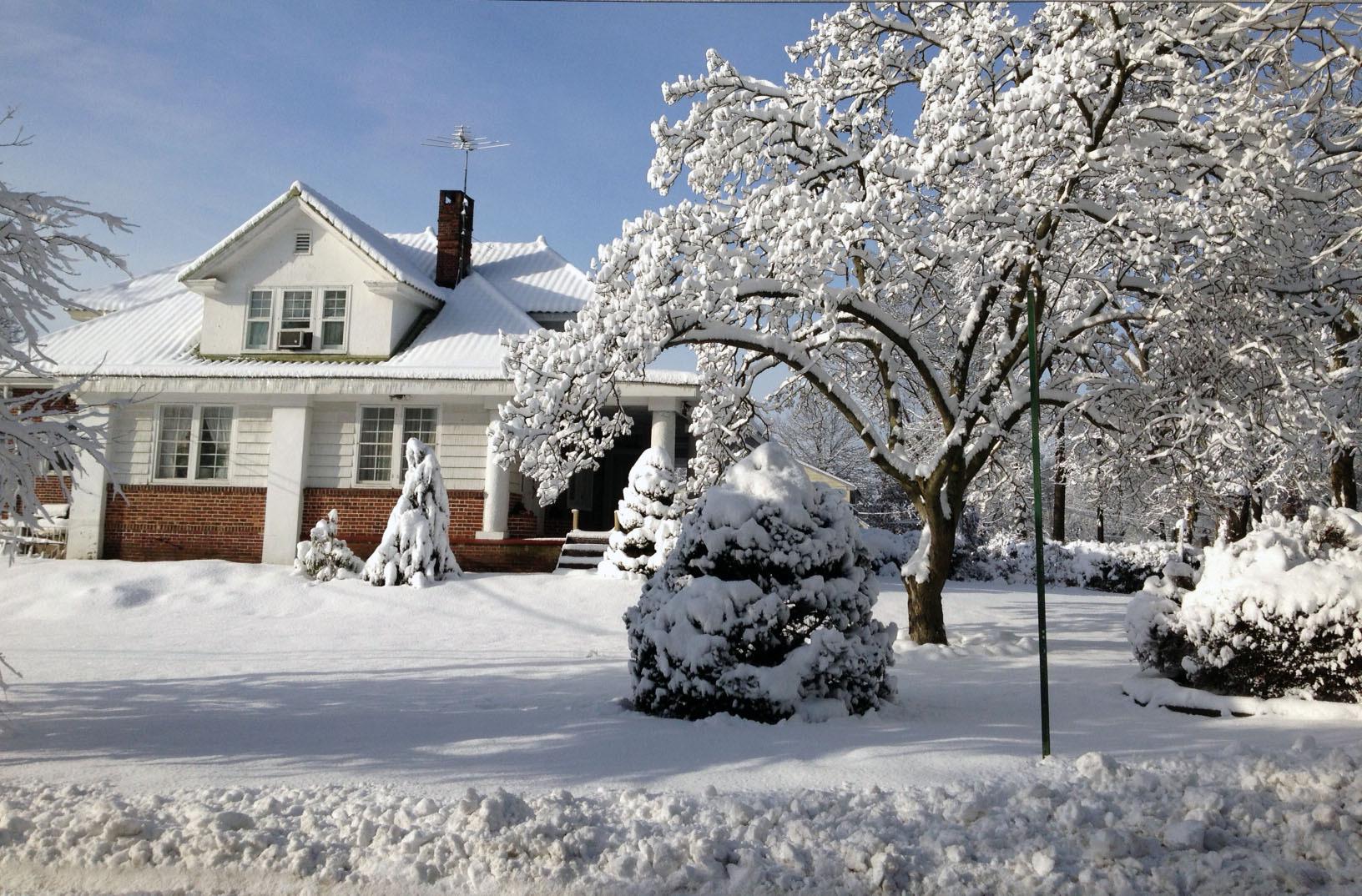 ac3a12483f7f9383f194_Snow_House_2.jpg
