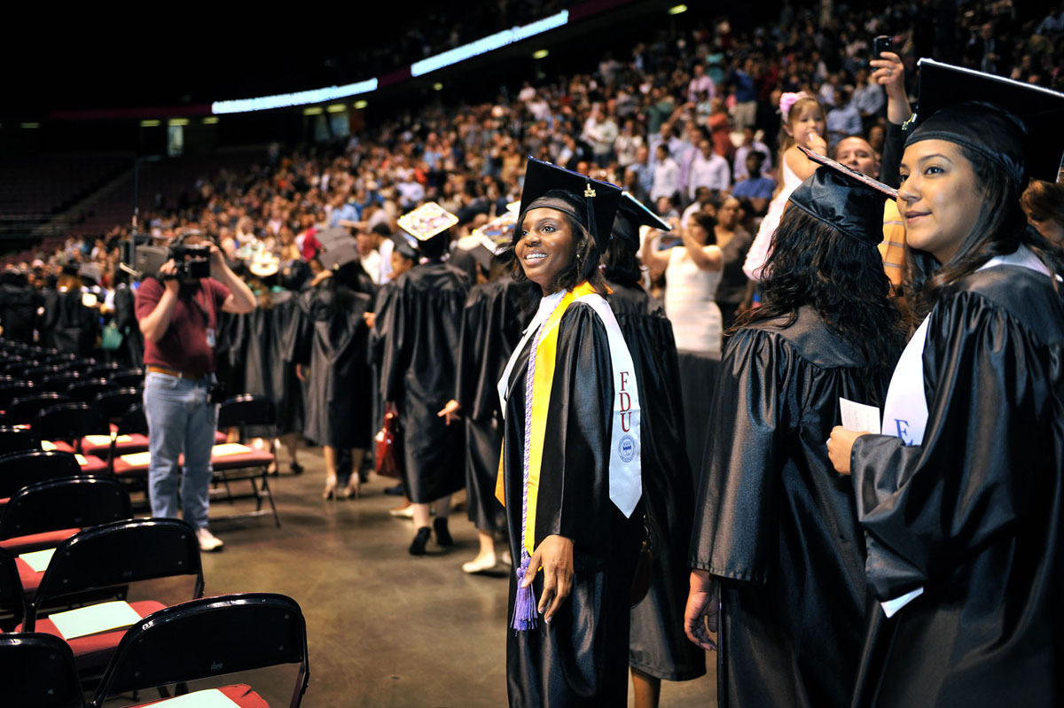 ccba351127bd4b340c59_commencement_2014__1_of_1__sm.jpg