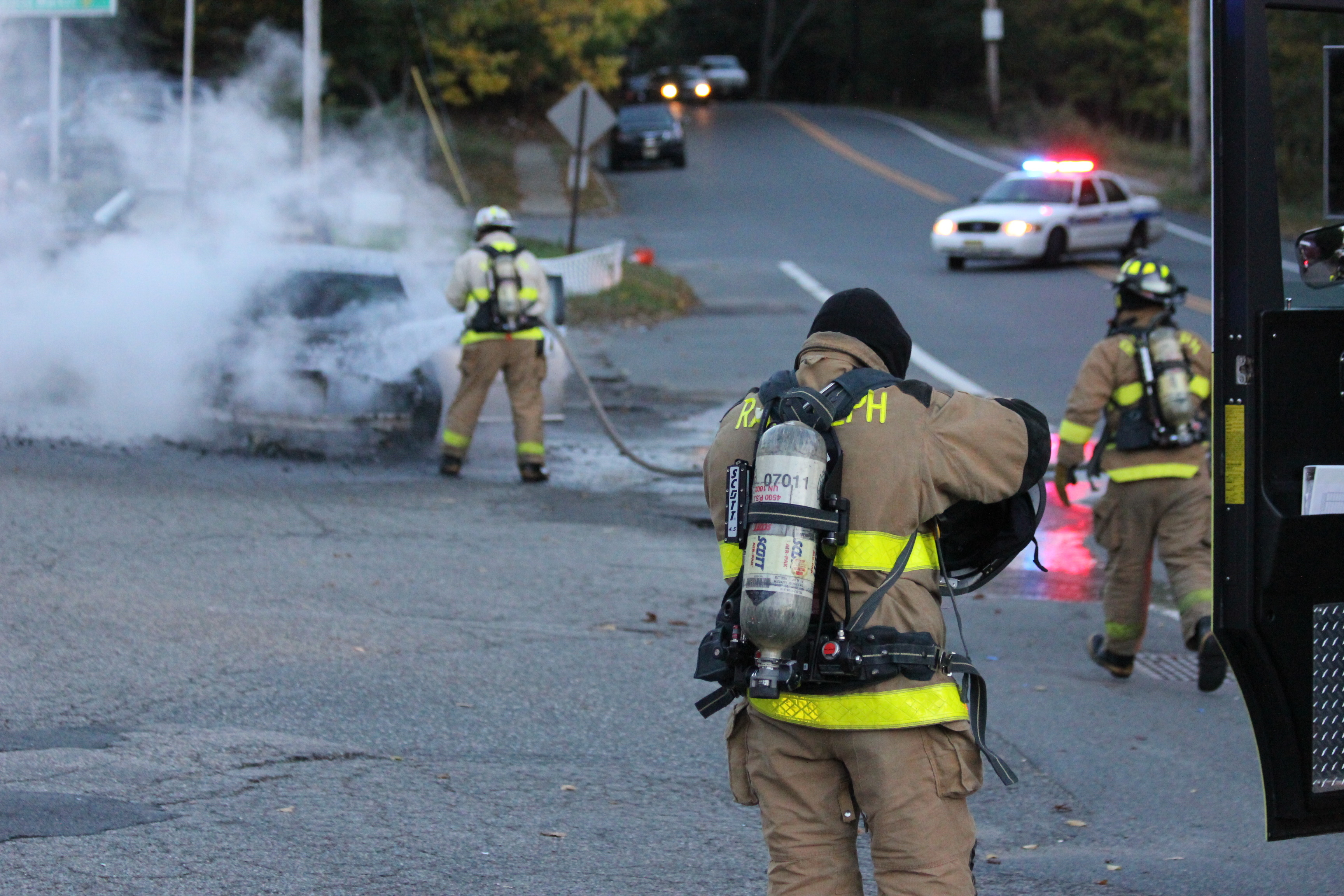 car fire on sussex turnpike is quickly contained by randolph fire department news tapinto. Black Bedroom Furniture Sets. Home Design Ideas
