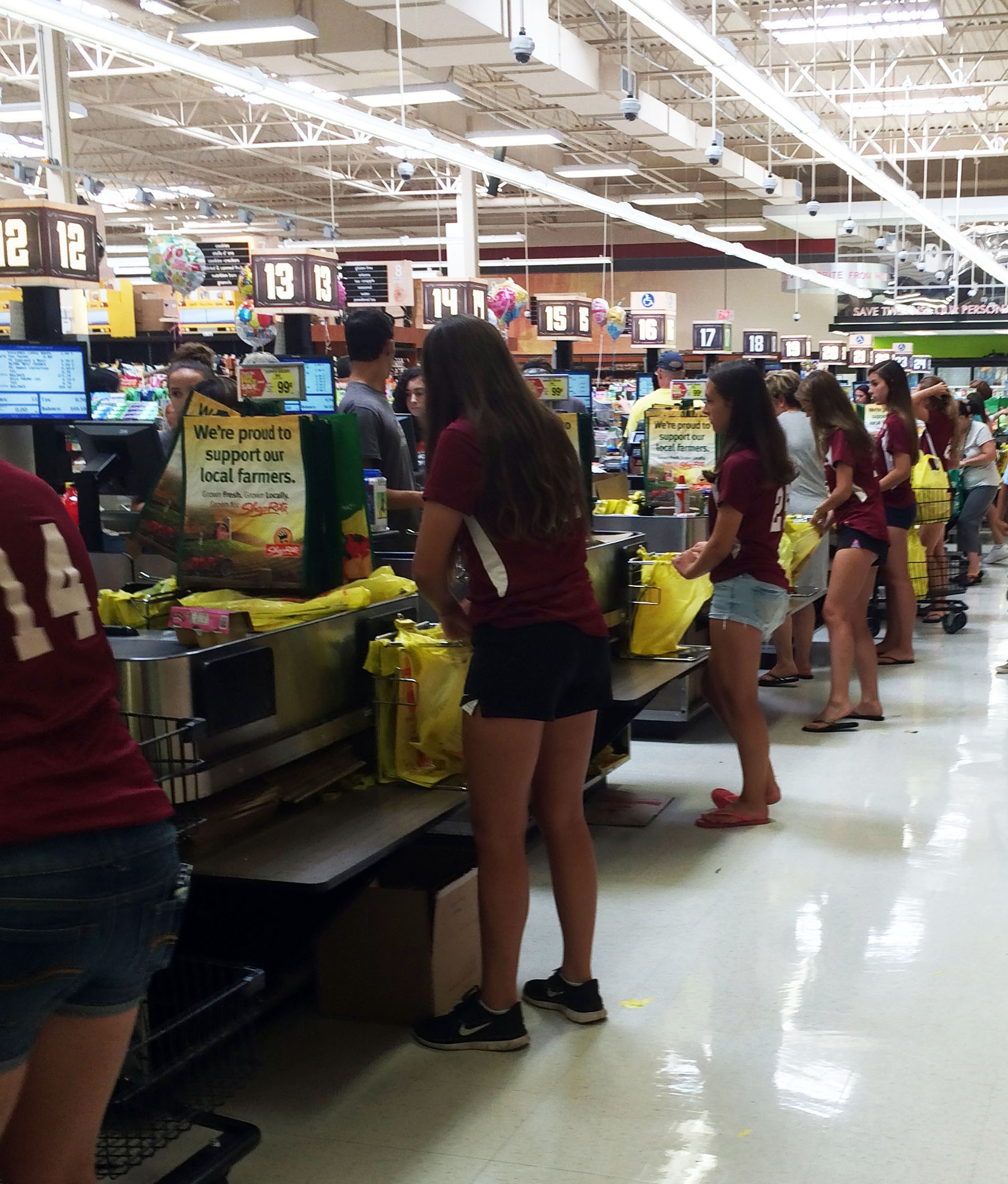 Morristown high school girls soccer team gives back to the f567e3f6ffcc312af1fbgirlstennisfundraiseratshopriteg f567e3f6ffcc312af1fbgirlstennisfundraiseratshopriteg falaconquin