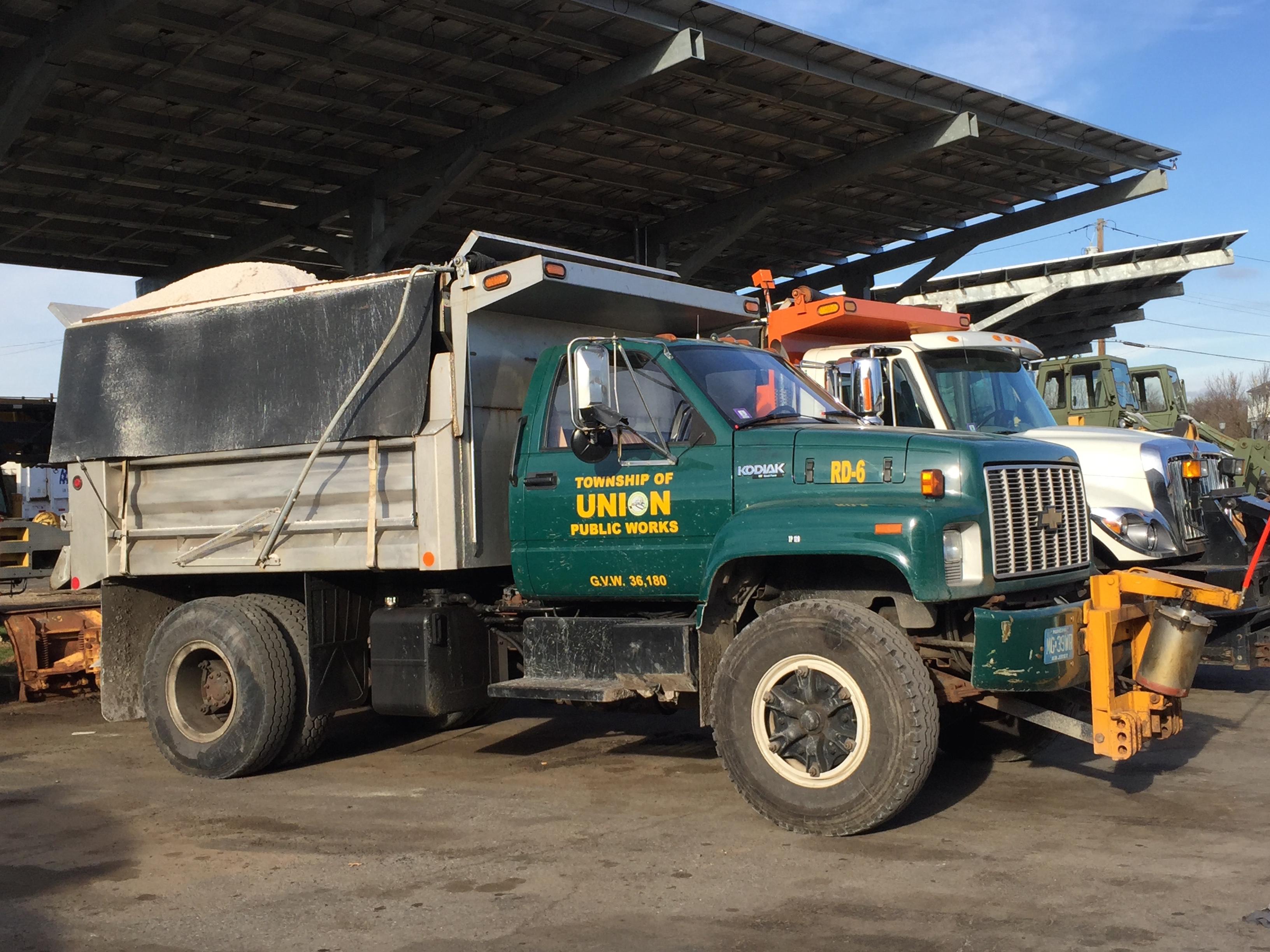 f563eb3295546be10990_dpw_truck_1.jpg