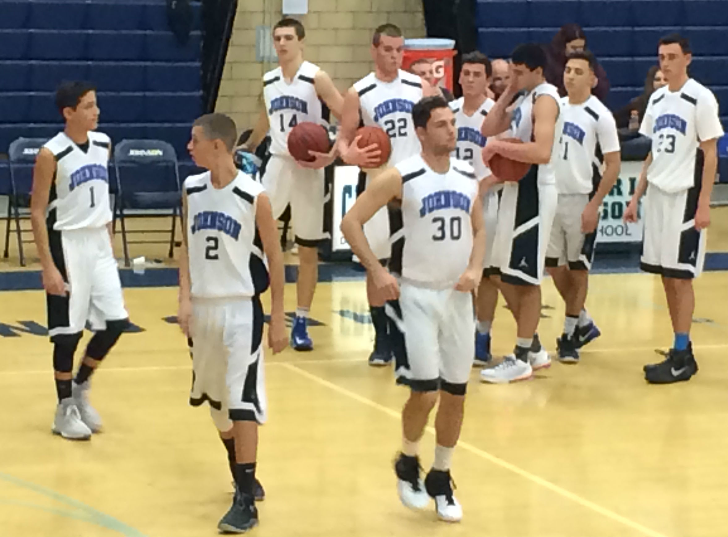 f863a0570f290df469aa_ALJ_boys_basketball_2015.jpg