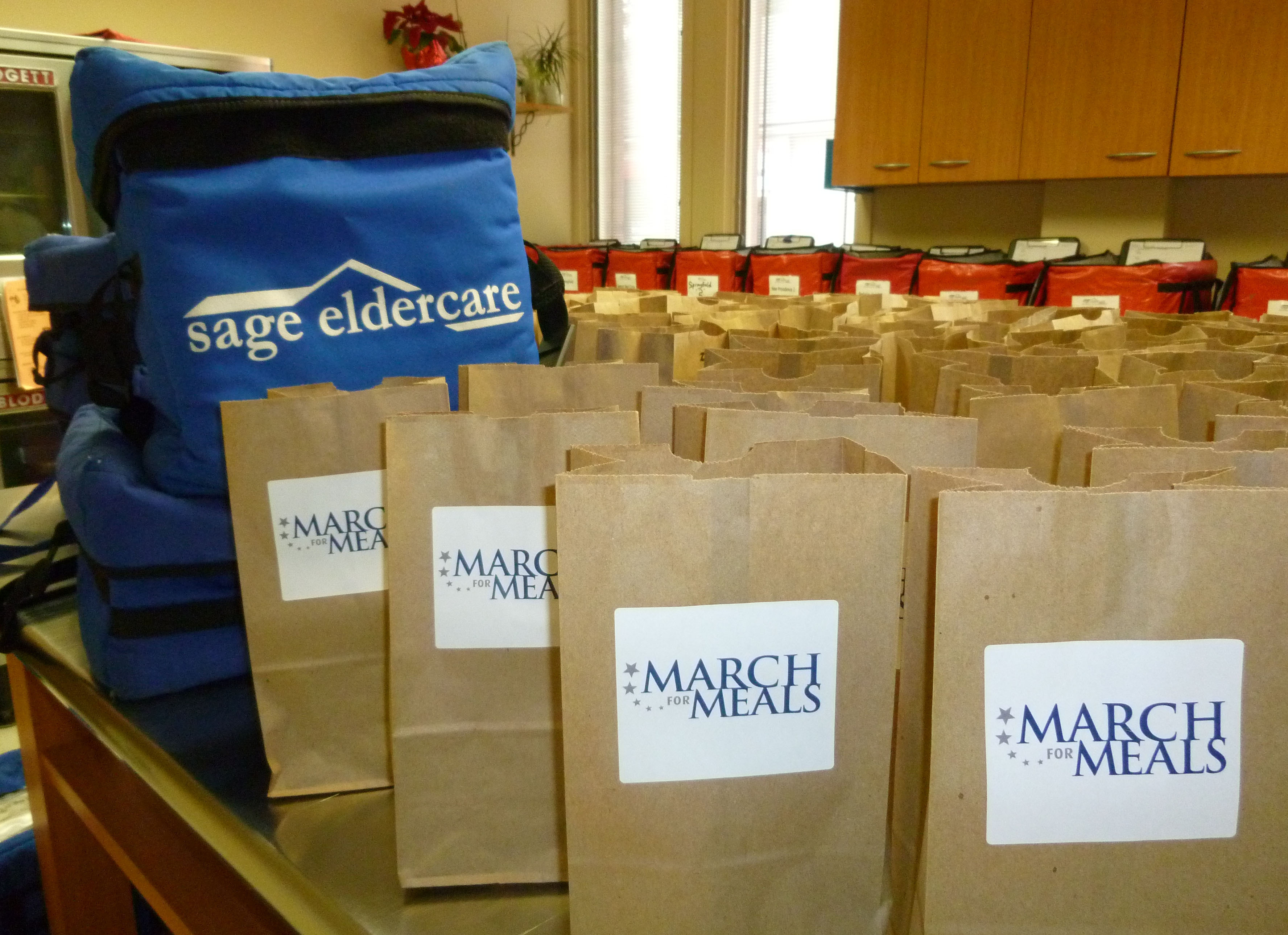 24524a4de3bc11febedf_March_For_Meals_2012_Photo_-_Bags.jpg