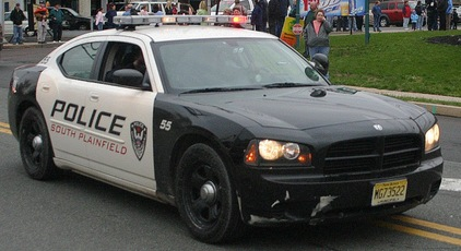 Top_story_09db96e1a3f3ee59ade6_police_car