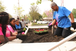 Roselle Comes Together for Community Clean Up Day, photo 18