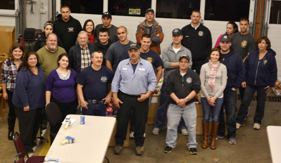 8af07bc03b8977cd2da0_Volunteers_from_the_Fanwood_Fire_Dept._12-10-14.jpg