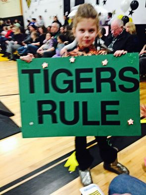Lady Tigers Cheer Team Eying Elusive First Place at States on Sunday, photo 4