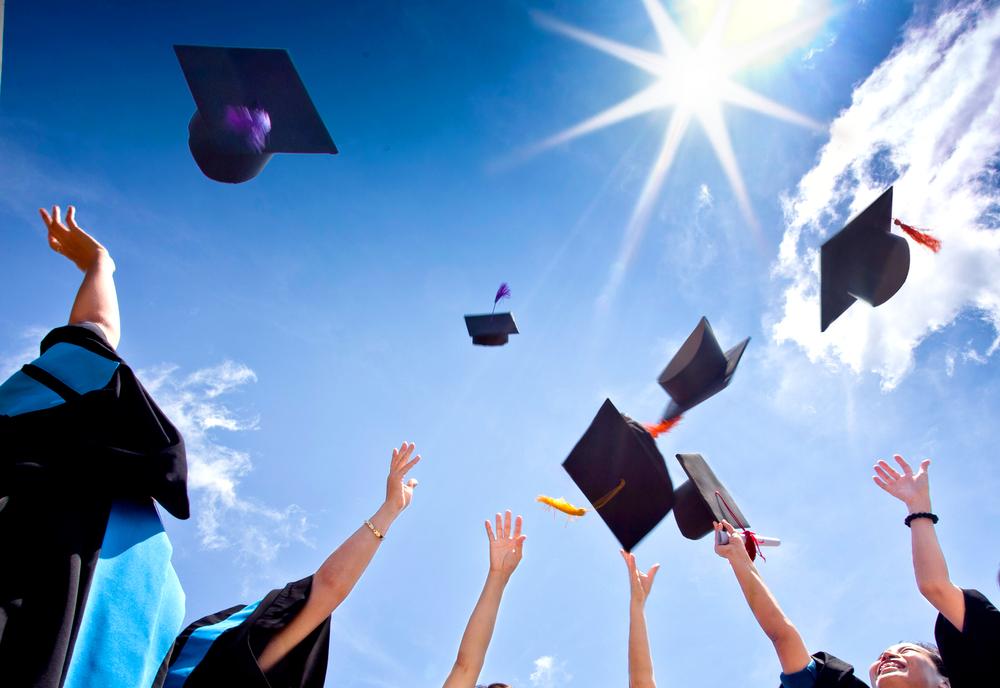 03a8bd464484442294e8_College-Graduation.jpg