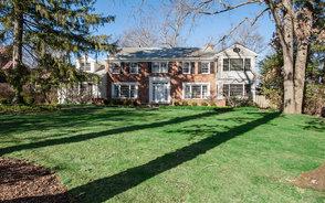 219 Oak Ridge Ave, Summit NJ: $2,095,000