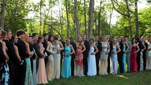 South Plainfield High School Seniors Step-out in Style for Prom, photo 9