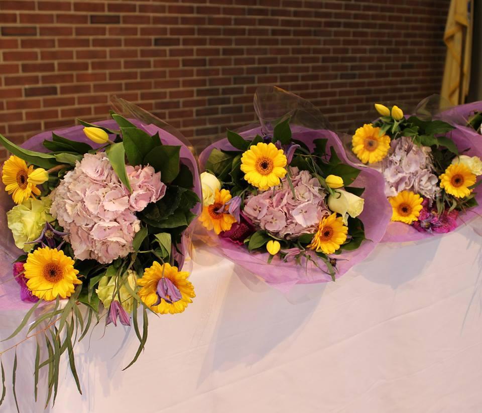 2a906571fadc69f5d1c0_Flowers.jpg