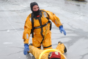 South Plainfield Firefightera Take to the Ice for Rescue Training, photo 4