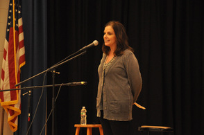 Mindy Kemper of Sparta Books, introduces Peter Yarrow.