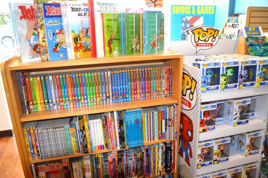 9fd4fccfda9e5d3c68d4_Comics_-_shelves_01.JPG