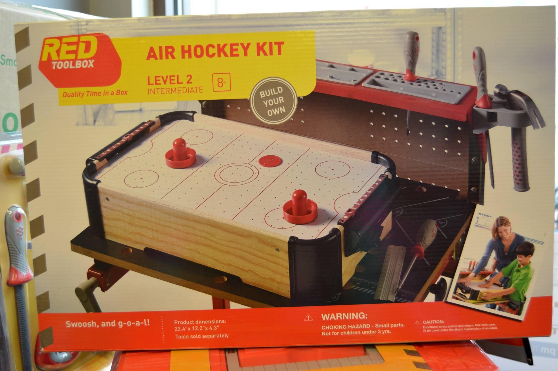 d9c7c7e108bf014d9337_Hockey_game.jpg