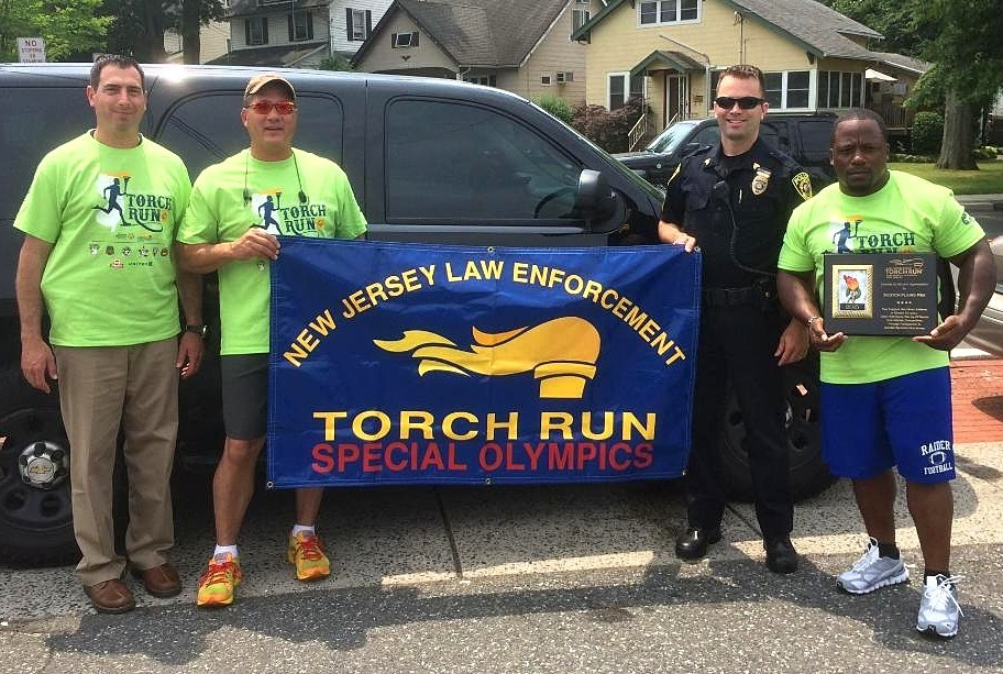 1b6e4f72474099f80500_Scotch_Plains_Torch_Run_2015.jpg
