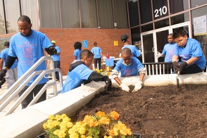 Roselle Comes Together for Community Clean Up Day, photo 32
