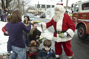 Santa Makes His Way Through Fanwood During Annual Parade Sunday, photo 4