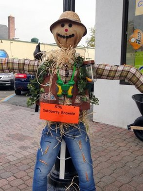 Outdoorsy Brownie Scarecrow