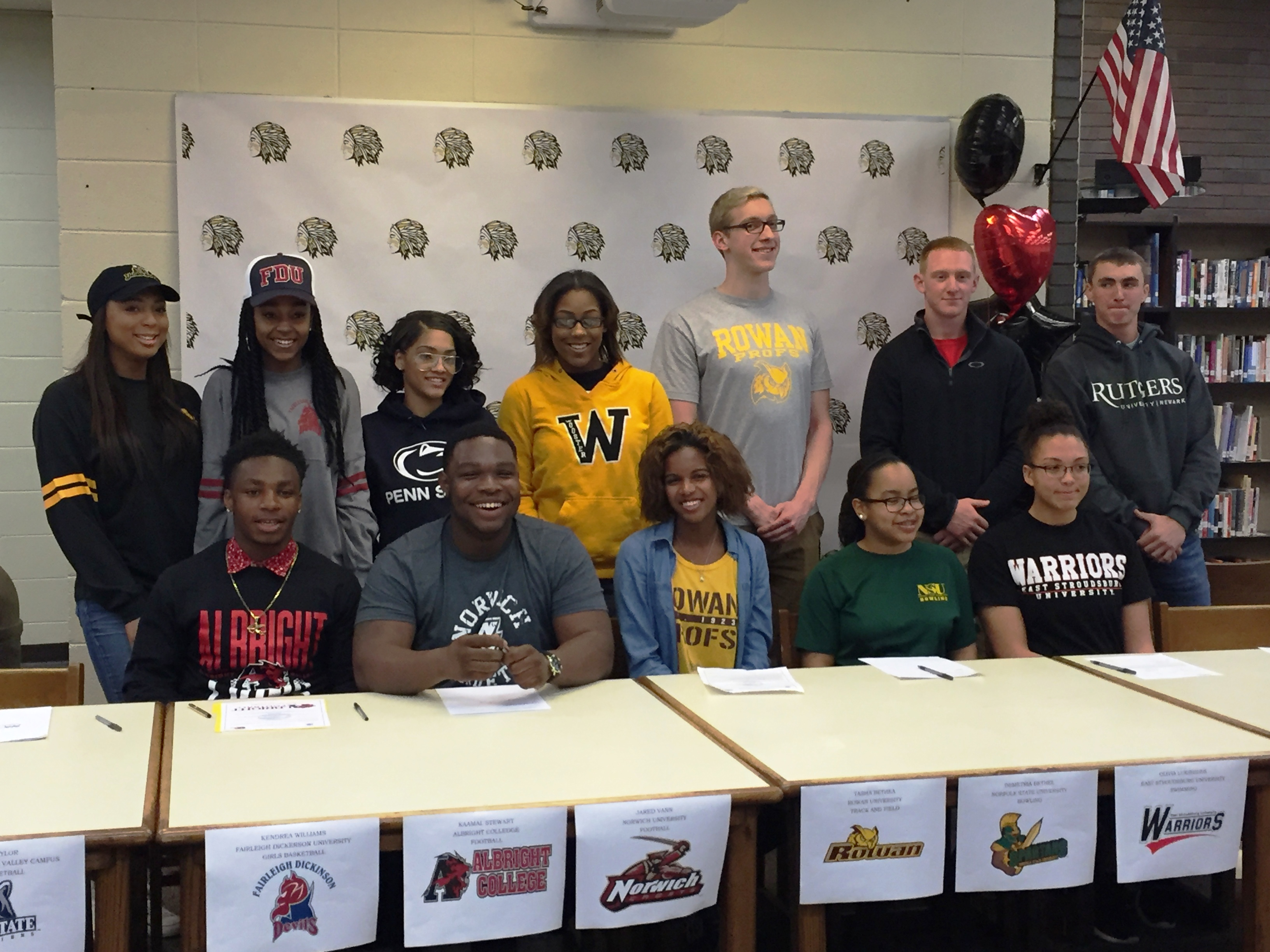 94bd36bbd3847282926b_PWay_Athletes_College_Signing_Day_4-13-16_039.JPG