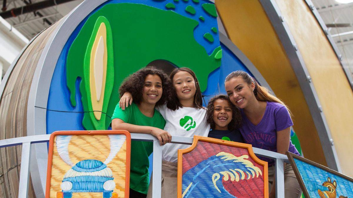 56ce39b63200744f8dd0_Two_GSCSNJ_Girl_Scouts_in_National_Float_Annoucement.__Ali_Brasby__far_right__of_Old_Bridge_and_Sophia_Djeng_of_Plainsboro__2_.jpg
