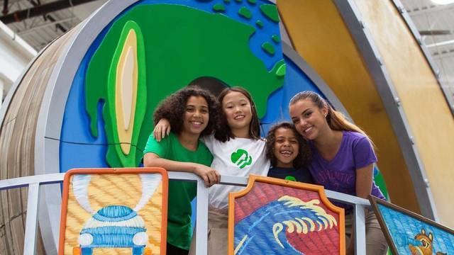 Top_story_56ce39b63200744f8dd0_two_gscsnj_girl_scouts_in_national_float_annoucement.__ali_brasby__far_right__of_old_bridge_and_sophia_djeng_of_plainsboro__2_