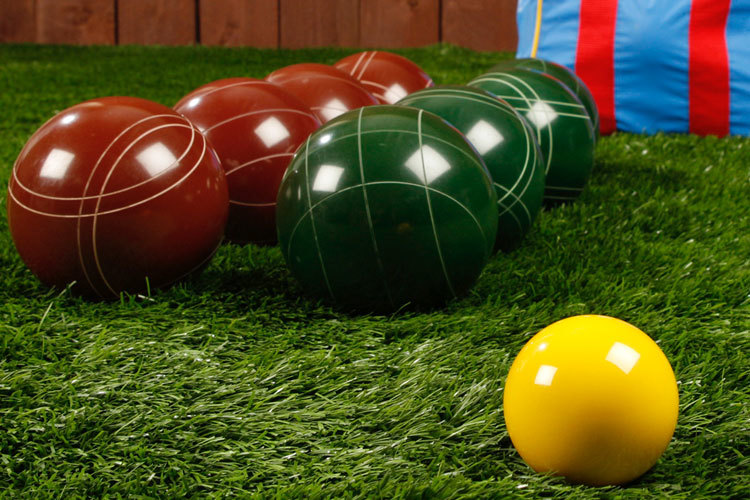 77b74c3f3d811ce22e73_bocce-ball-game2.jpg